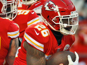 Watch: Damien Williams bursts for 33 yards on long catch and run