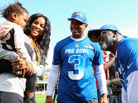 Watch: Wilson, Ciara introduce daughter Sienna to Emmitt Smith at Pro Bowl practice