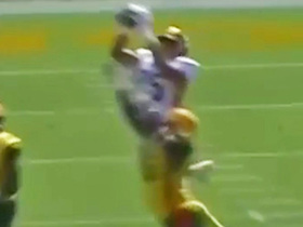 Watch: Bercovici threads needle on 38-yard TD pass to Baugh