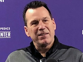 Watch: Carr explains why Vikes' personnel meshes with Kubiak's style