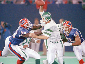 Watch: NFL Throwback: Bruce Smith's incredible 1990 season