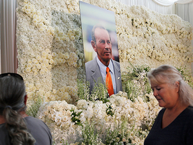 Watch: Pat Bowlen's family thanks fans at his tribute