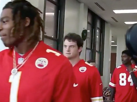 Watch: Chiefs present $250K check to local H.S. for Huddle for 100
