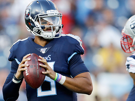 Watch: Mariota dissects Patriots' secondary on TD throw to Walker