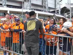 Watch: Emmanuel Sanders shows fans love before making return from injury