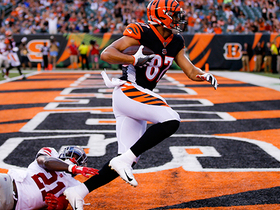 Watch: Dalton drops pass in the bucket to Uzomah for Bengals' first TD