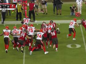 Watch: Ndamukong Suh chases down Hunt for first tackle with Bucs