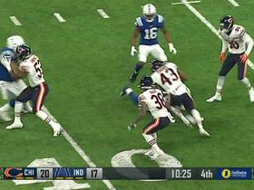 Watch: Bears' defensive back Jibowu jumps a route for the pick