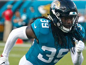 Watch: Moon recovers loose ball for Jaguars