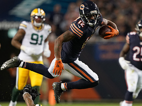 Watch: Allen Robinson finds an opening in Packers' secondary for 21 yards