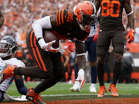 Watch: Njoku boxes out Byard to haul in Mayfield's first TD pass