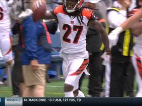 Watch: Bengals recover after Chris Carson coughs up the football