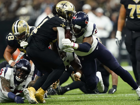 Watch: Alvin Kamara muscles through Texans' defenders on strong 28-yard run