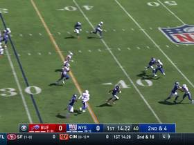 Watch: Fowler takes fly sweep for speedy 20-yard run