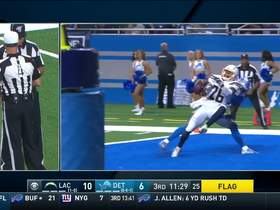 Watch: Can't-Miss Play: Ball ricochets off Kenny Golladay right into Casey Hayward's hands for end-zone INT