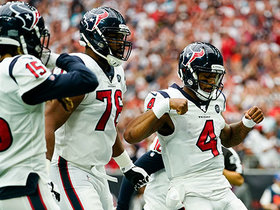 Watch: Deshaun Watson fights through tackles on QB-keeper TD on fourth down