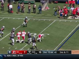 Watch: Derek Carr goes AIRBORNE on athletic third-and-long scramble