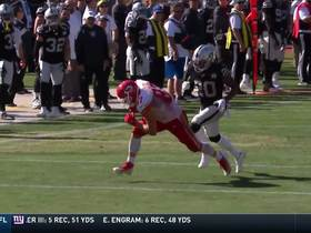 Watch: Mahomes lobs deep ball to Kelce for 34 yards