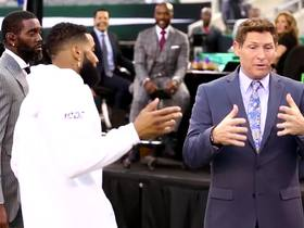 Watch: OBJ greets Steve Young and Randy Moss prior to MNF