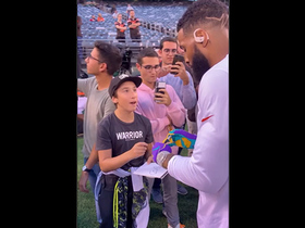 Watch: OBJ signs autograph for Giants fan before 'MNF'