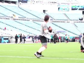 Watch: Gardner Minshew warms up before Titans-Jaguars
