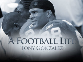 Watch: 'A Football Life': Why Tony Gonzalez made a trade request to leave Chiefs