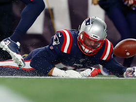 Watch: Can't-Miss Play: Scoop and score! Kyle Van Noy dives for dramatic TD