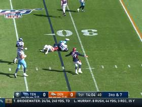 Watch: A.J. Johnson stops Mariota in his tracks for first sack of the game