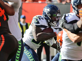 Watch: Chris Carson hammers in late go-ahead TD