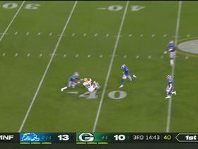 Watch: Rodgers slings laser to sliding Marcedes Lewis for 25 yards
