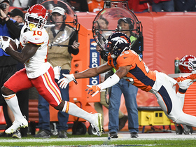 Watch: Can't-Miss Play: Tyreek Hill SPRINTS past Harris Jr. for 57-yard TD