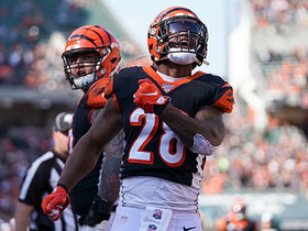Watch: Andy Dalton zips pass to Mixon for TD