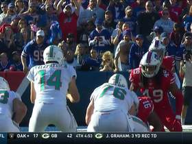 Watch: Mike Gesicki pirouettes for clutch fourth-down pickup