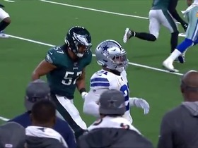 Watch: Zeke takes fourth-down dump off 9 yards for first down