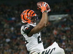 Watch: Mixon it up! Zac Taylor's play design opens up RB for easy TD grab