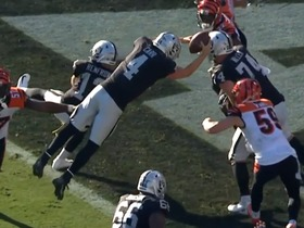 Watch: Can't-Miss Play: Derek Carr channels Houdini on WILD TD scramble