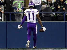 Watch: Can't-Miss Play: Treading well! Laquon Treadwell all alone for 58-yard TD grab