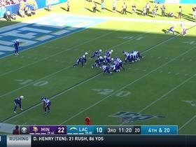 Watch: Vikings block Bolts' punt to set offense up with great field position