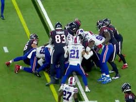 Watch: Bills STUFF Deshaun Watson's QB sneak for key fourth-down stop