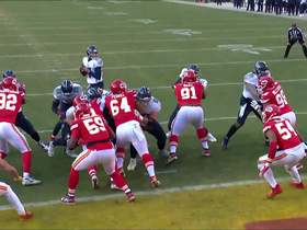 Watch: Can't-Miss Play: 6-foot-8 OL scores TD after Chiefs sell out to stop Henry