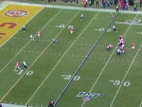 Watch: Patrick Mahomes unleashes laser TD throw up the seam to Tyreek Hill