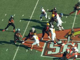 Watch: Kenny Willekes flies off the edge unblocked for quick sack