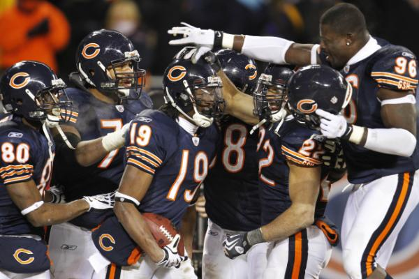 Devin Aromashodu and Bears have muddied up the playoff picture