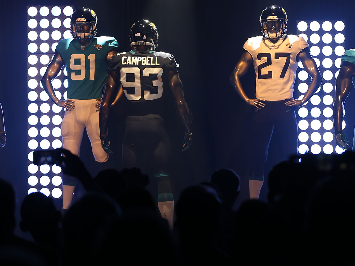 separation shoes ac7f8 54b31 Jacksonville Jaguars unveil new old-school look - NFL.com