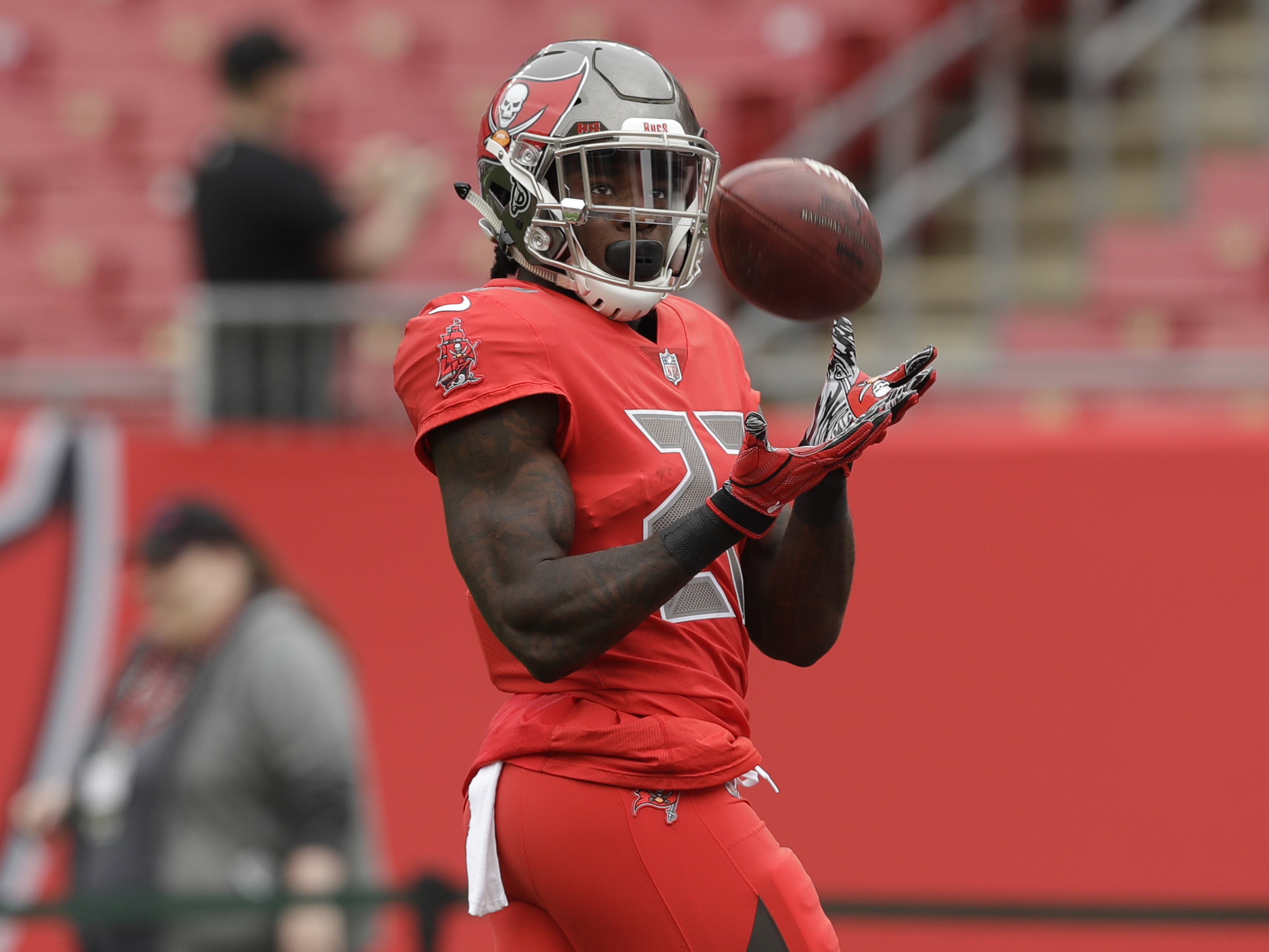 premium selection 6a1d5 46bab Ronald Jones ready to put disappointing season in past - NFL.com