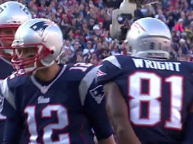 Brady throws 8-yard TD pass to Wright