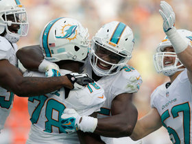 Wk 16 Can't-Miss Play: Block party in Miami
