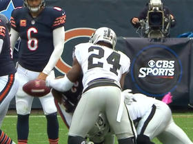 Raiders Stacy McGee recovers Forte's fumble
