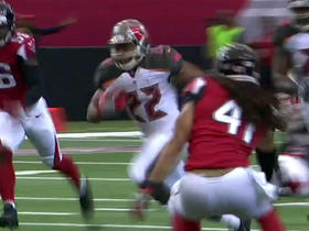 Winston eludes pressure to find Martin for 14 yards