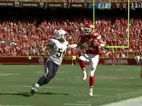 Alex Smith connects with Travis Kelce for a 15-yard catch